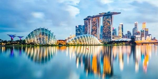 Alberto Azario - Acqua - l�esempio di Singapore per ricordarci il valore di questo bene prezioso